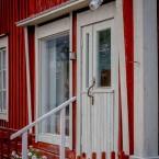 Butiken ligger i en vacker lokal i Purmo.