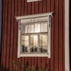 Fönstret in till gamla farstun.