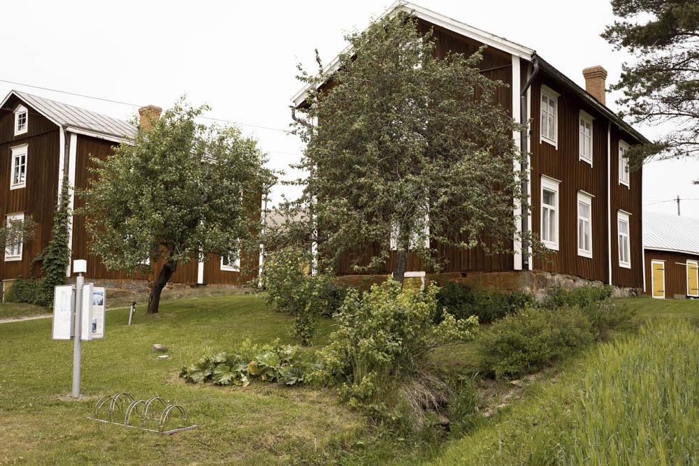 Klemetsgårdarna i Maxmo.